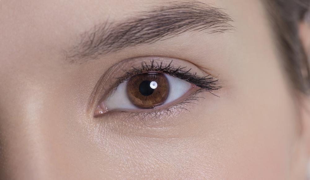 目の下のくぼみの美容整形の有名病院と人気ランキング