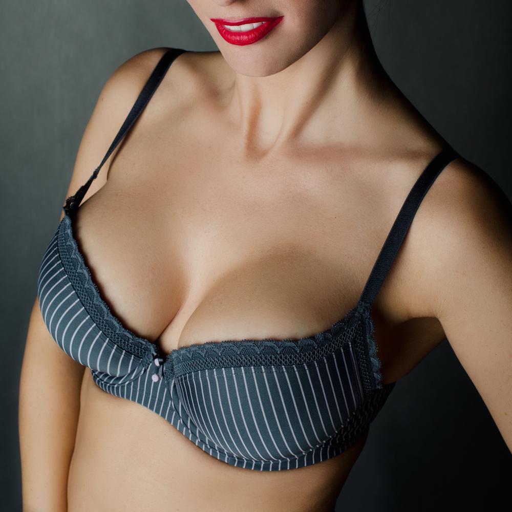 乳腺下法での豊胸バッグの有名病院と人気ランキング